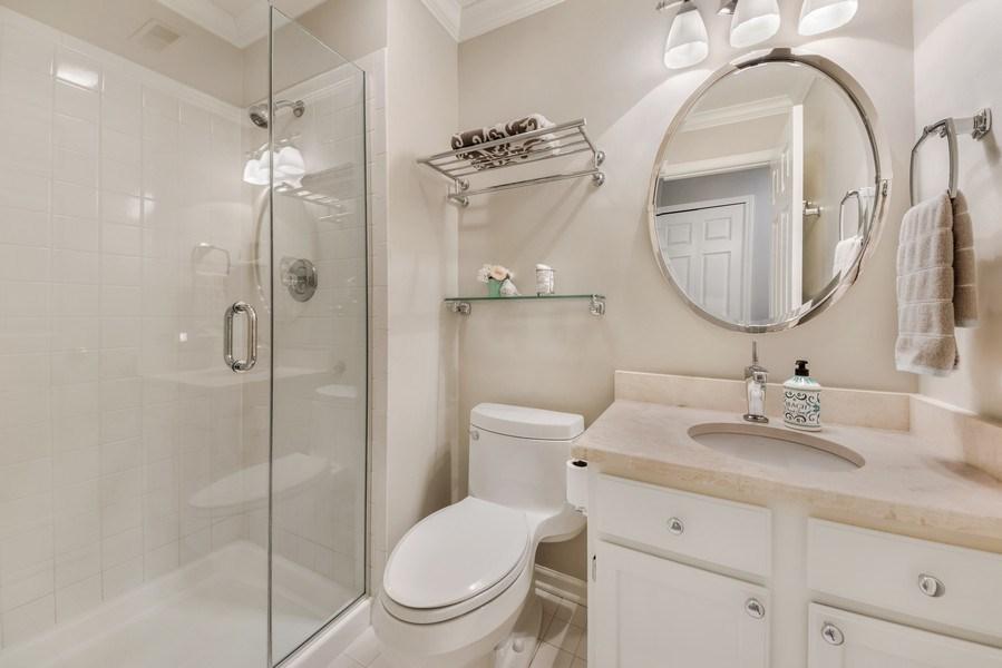Real Estate Photography - 669 Golf Lane, Unit 669, Lake Barrington, IL, 60010 - 2nd Bathroom