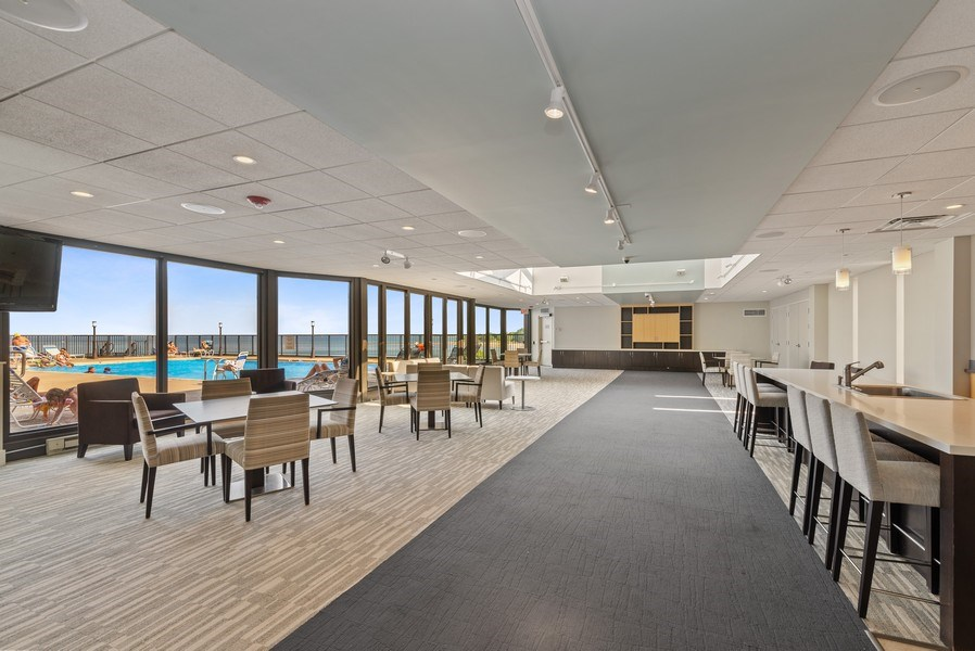Real Estate Photography - 6007 North Sheridan Rd, 7K, Chicago, IL, 60660 - Location 1