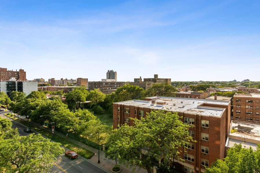 Real Estate Photography - 6007 North Sheridan Rd, 7K, Chicago, IL, 60660 - View