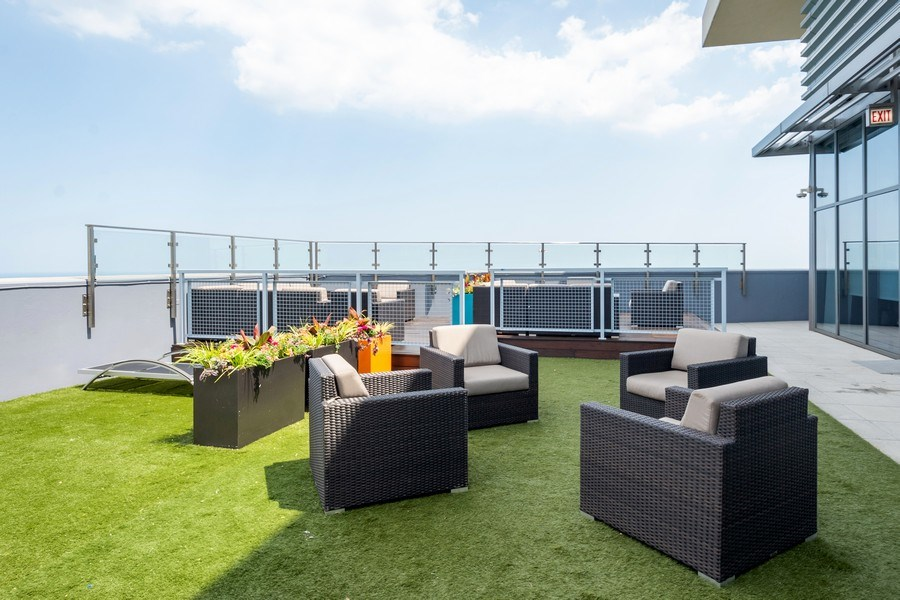 Real Estate Photography - 600 North Lake Shore Dr, 1605, Chicago, IL, 60611 - Common Sundeck