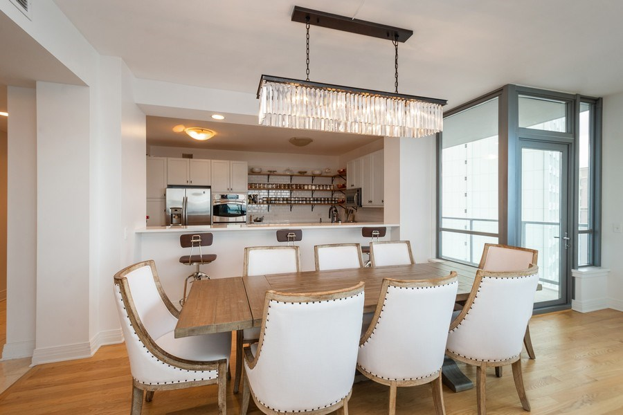 Real Estate Photography - 600 North Lake Shore Dr, 1605, Chicago, IL, 60611 - Dining Room