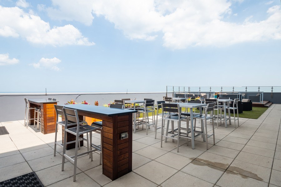 Real Estate Photography - 600 North Lake Shore Dr, 1605, Chicago, IL, 60611 -