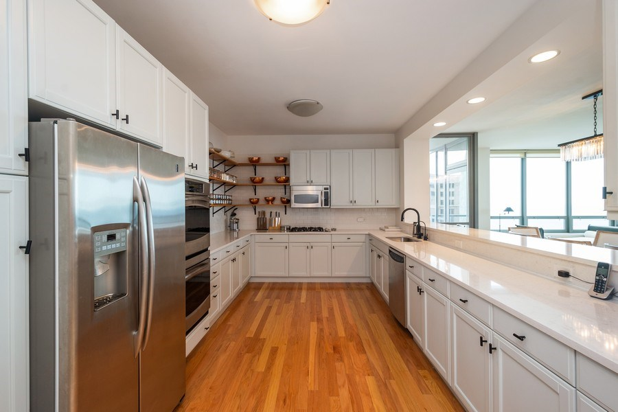 Real Estate Photography - 600 North Lake Shore Dr, 1605, Chicago, IL, 60611 - Kitchen