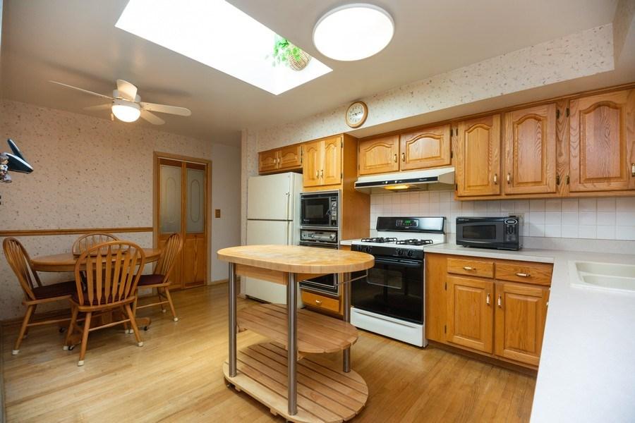 Real Estate Photography - 221 S. Fernandez Avenue, Arlington Heights, IL, 60005 - Kitchen