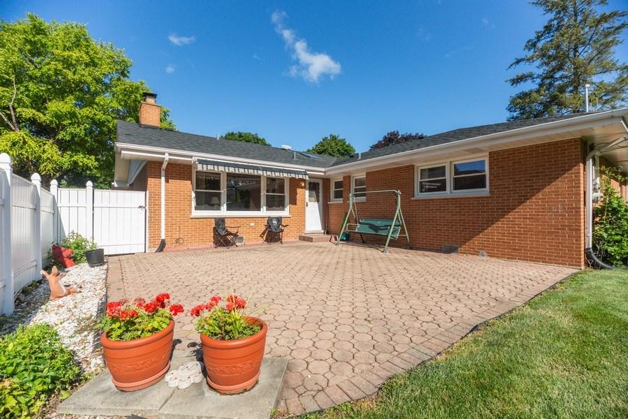 Real Estate Photography - 221 S. Fernandez Avenue, Arlington Heights, IL, 60005 - Patio