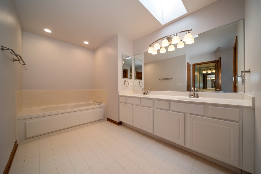 Real Estate Photography - 1640 Quail Way, Crystal Lake, IL, 60014 - Master Bathroom
