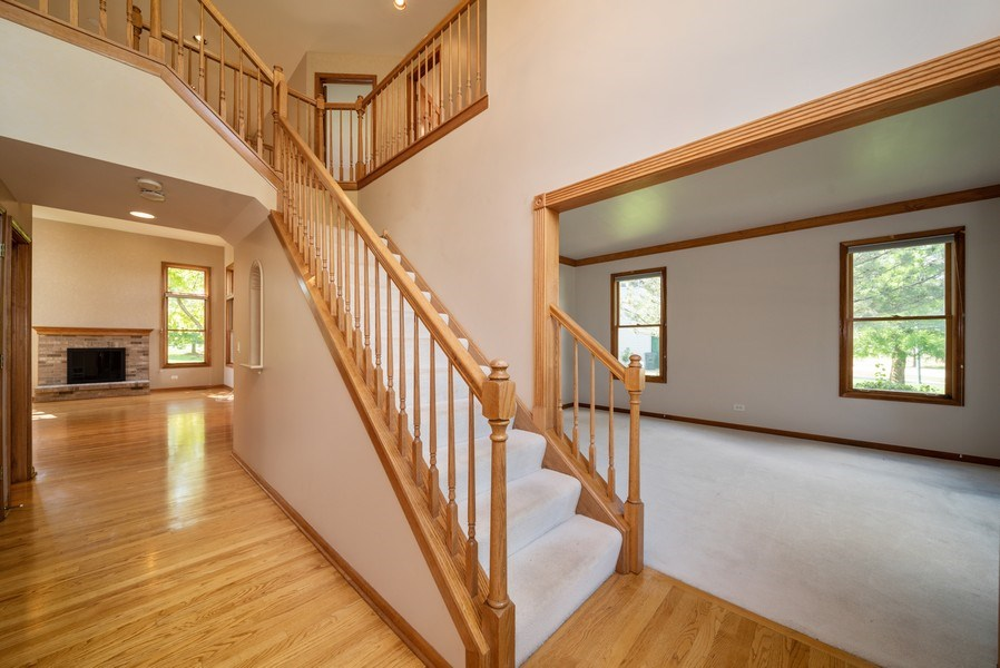 Real Estate Photography - 1640 Quail Way, Crystal Lake, IL, 60014 - Foyer