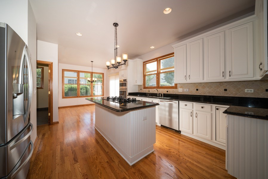 Real Estate Photography - 1640 Quail Way, Crystal Lake, IL, 60014 - Kitchen
