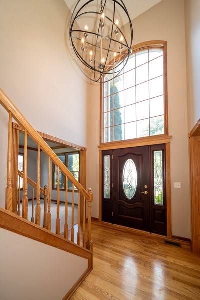 Real Estate Photography - 1640 Quail Way, Crystal Lake, IL, 60014 - Entryway