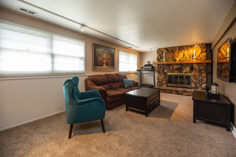 Real Estate Photography - 619 West Hackberry Dr, Arlington Heights, IL, 60004 - Lower Level