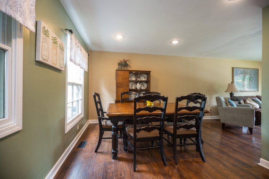 Real Estate Photography - 619 West Hackberry Dr, Arlington Heights, IL, 60004 - Dining Room