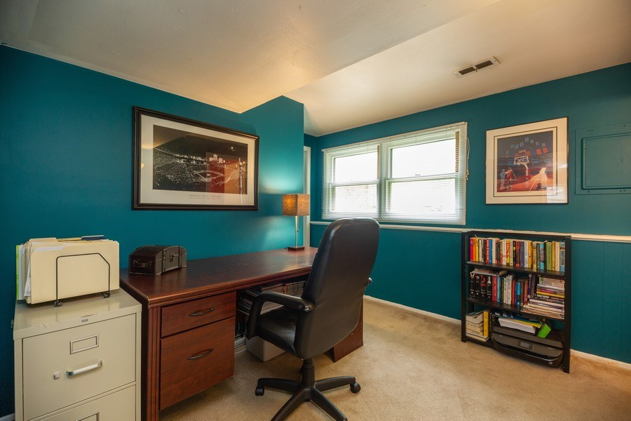 Real Estate Photography - 619 West Hackberry Dr, Arlington Heights, IL, 60004 - Office