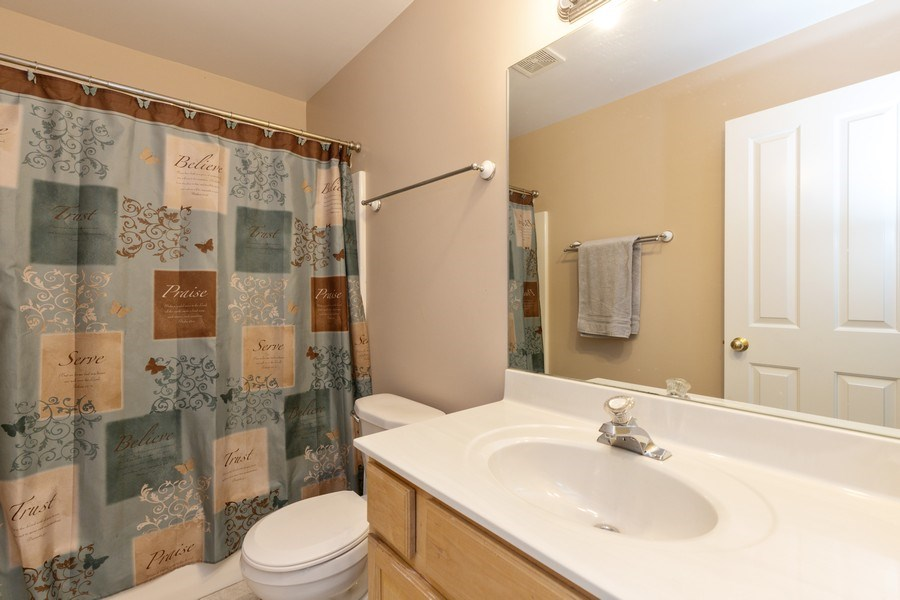 Real Estate Photography - 37517 Lyons Woods Court, Beach Park, IL, 60087 - Bathroom