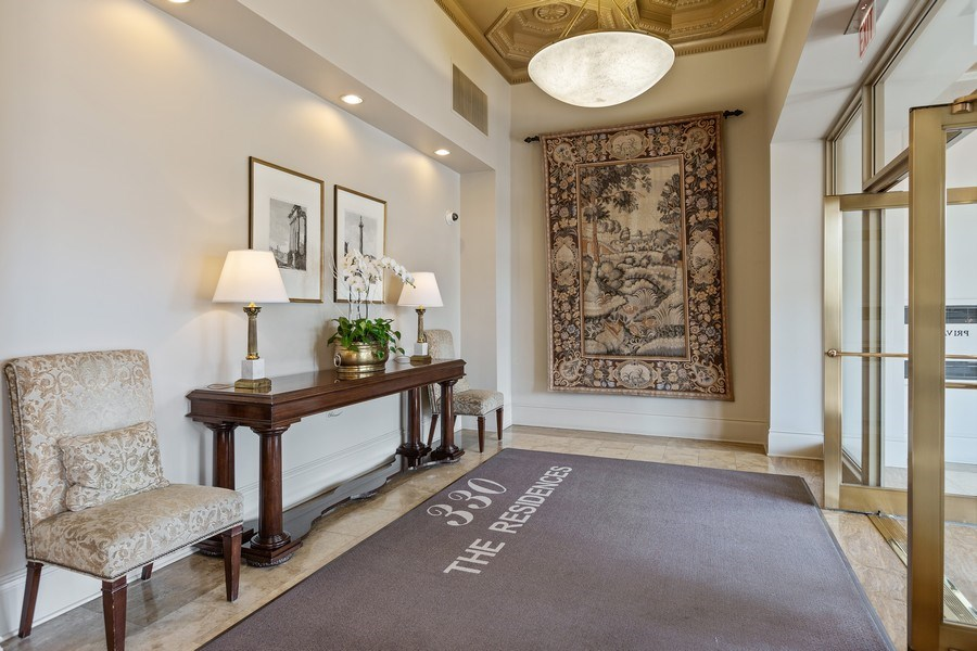 Real Estate Photography - 330 South Michigan Ave, 1508, Chicago, IL, 60604 - Lobby