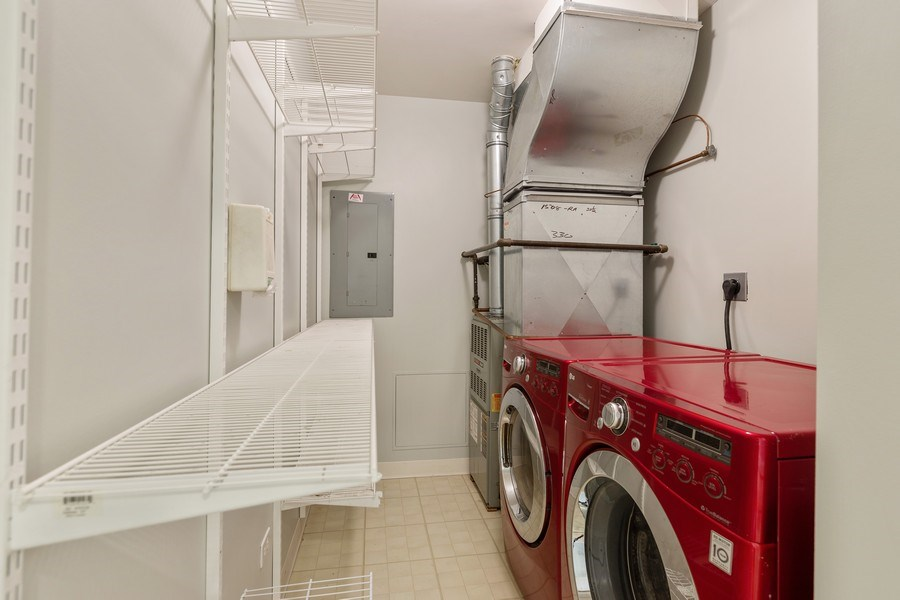 Real Estate Photography - 330 South Michigan Ave, 1508, Chicago, IL, 60604 - Laundry Room