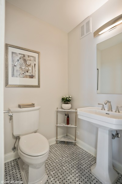 Real Estate Photography - 1240 N. LAKE SHORE Drive, Unit 8A, Chicago, IL, 60610 - Bath