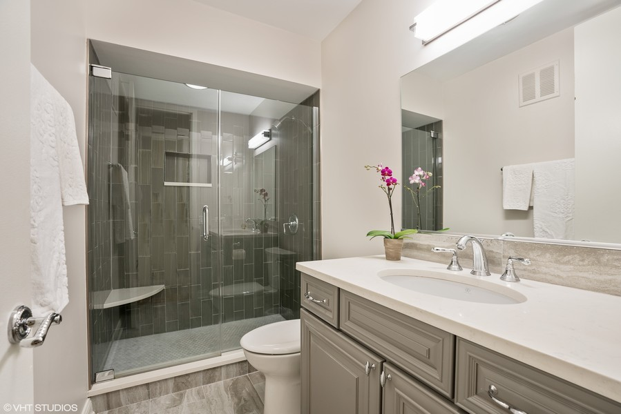 Real Estate Photography - 1240 N. LAKE SHORE Drive, Unit 8A, Chicago, IL, 60610 - Second Bath