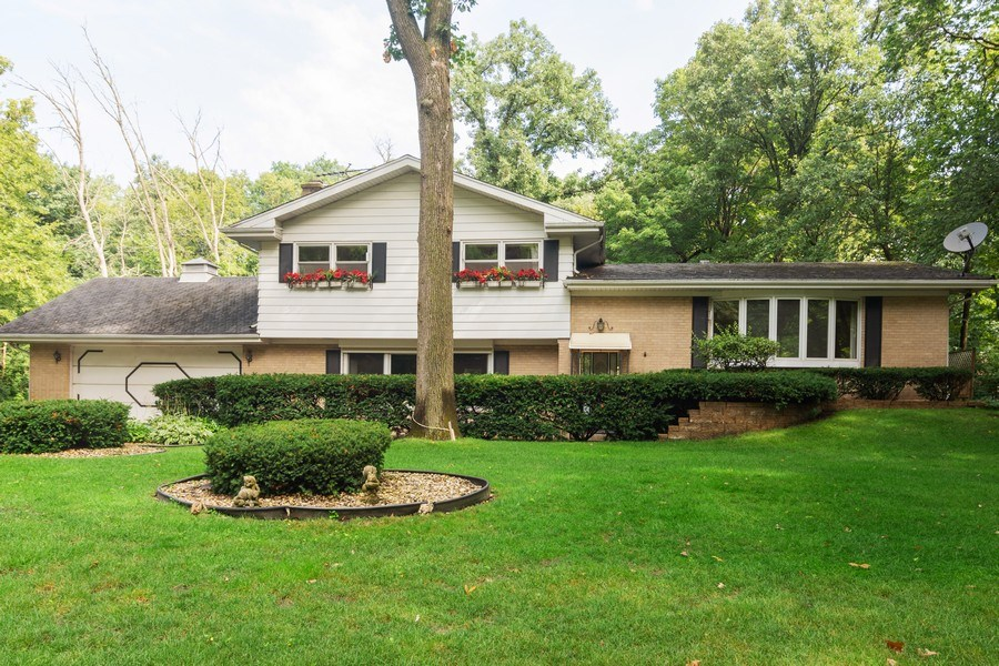 Real Estate Photography - 176 East Forest Ln, Palatine, IL, 60067 - Front View