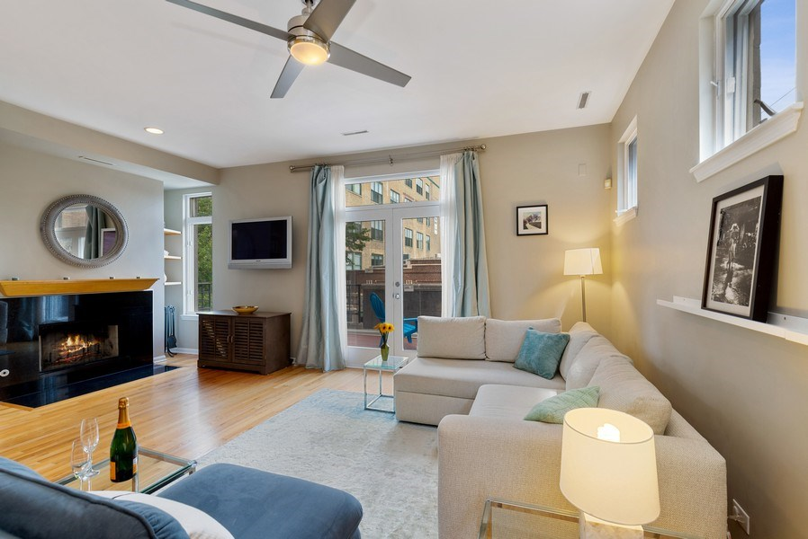 Real Estate Photography - 2814 North Sheffield Ave, 2S, Chicago, IL, 60657 - Living Room