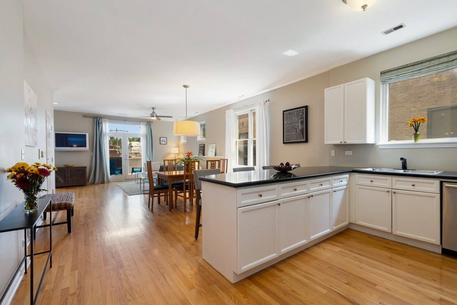 Real Estate Photography - 2814 North Sheffield Ave, 2S, Chicago, IL, 60657 - Great room