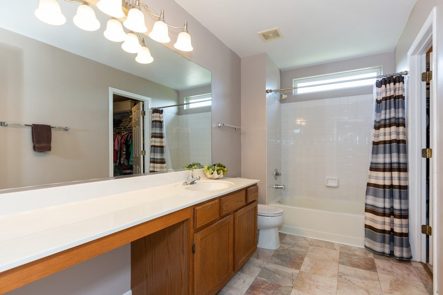 Real Estate Photography - 2135 Periwinkle Ln, Naperville, IL, 60540 - MASTER BATHROOM