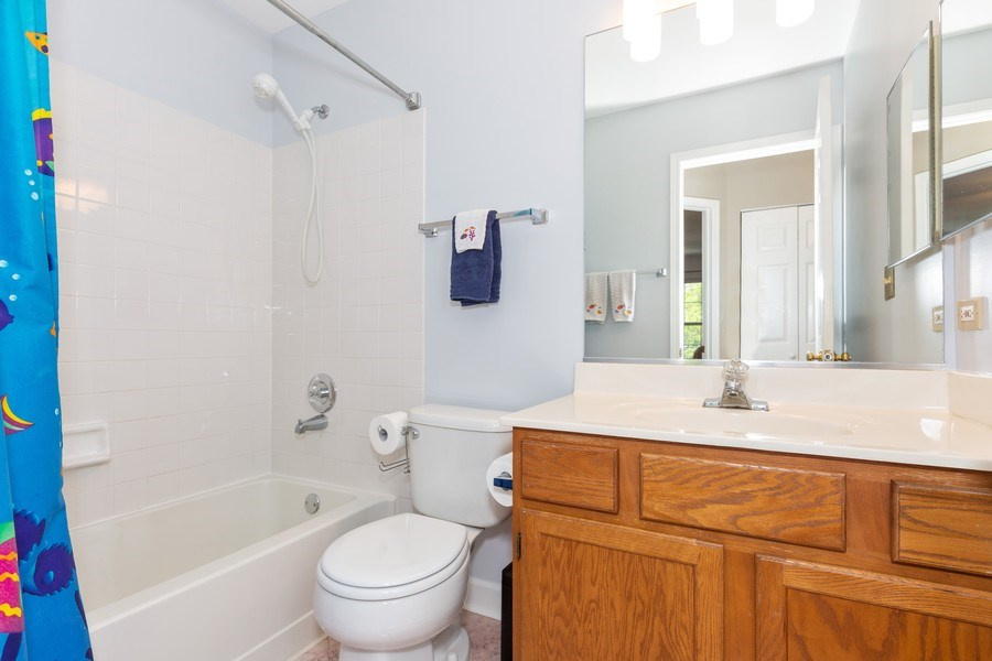 Real Estate Photography - 2135 Periwinkle Ln, Naperville, IL, 60540 - BATHROOM
