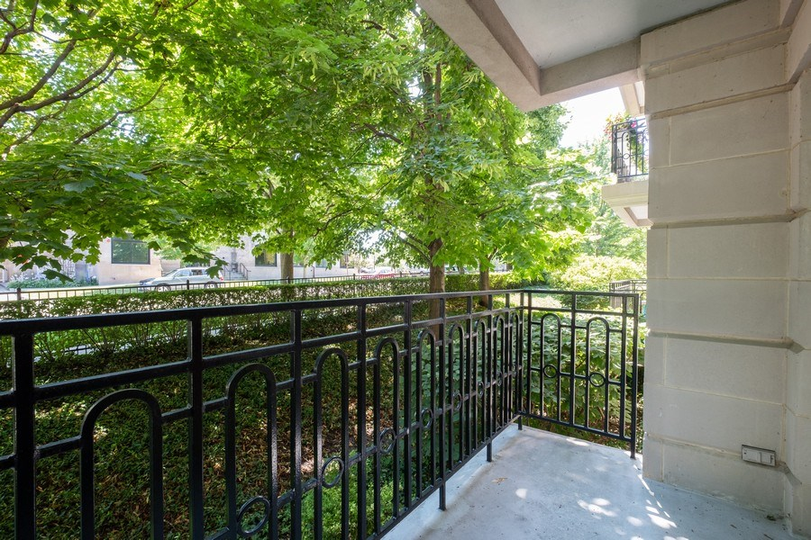 Real Estate Photography - 2021 St Johns Ave, Highland Park, IL, 60035 - Patio