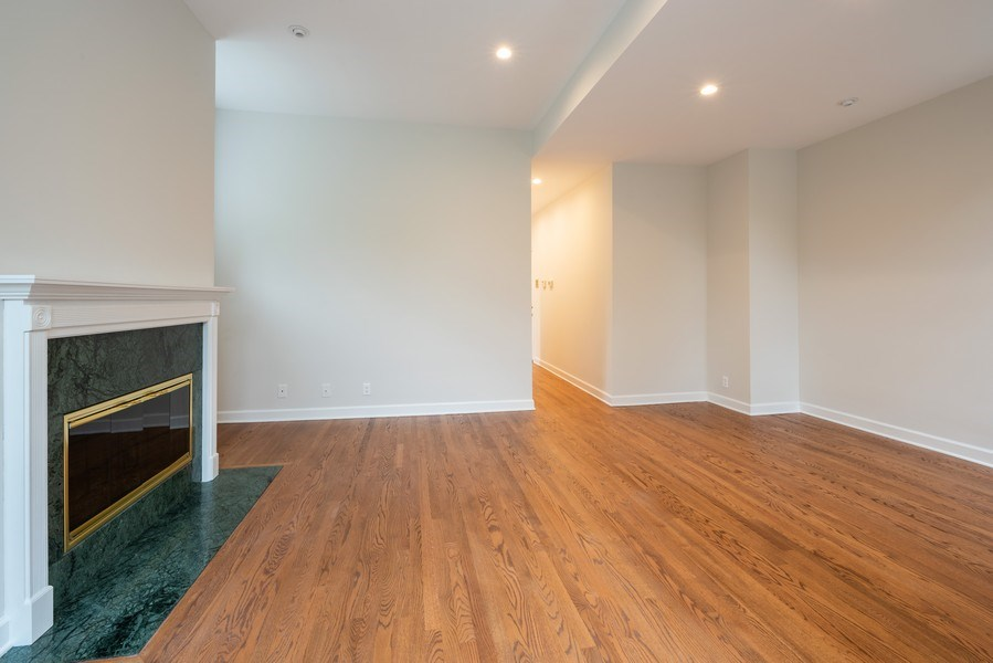 Real Estate Photography - 4655 North Hermitage Ave, 3, Chicago, IL, 60640 - Living Room