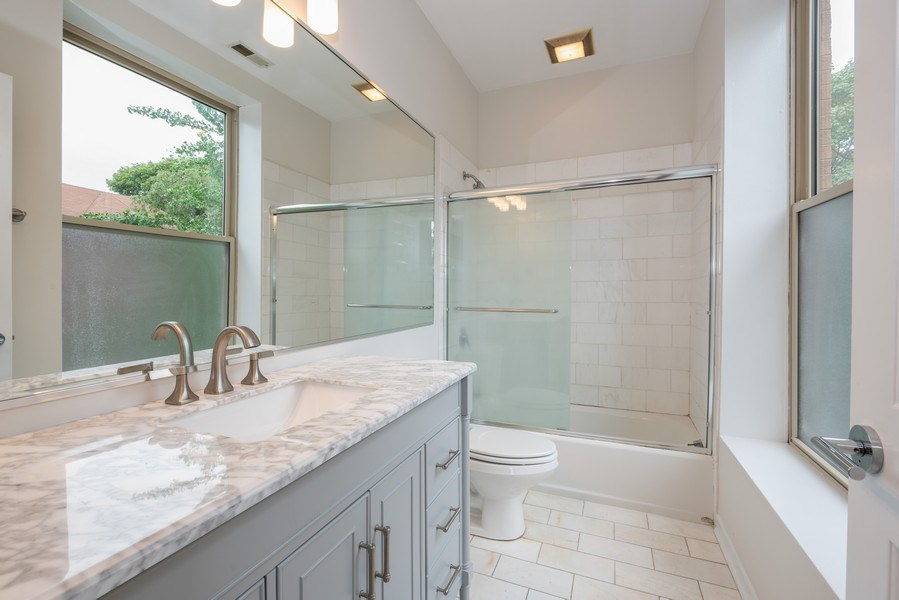 Real Estate Photography - 4655 North Hermitage Ave, 3, Chicago, IL, 60640 - Master Bathroom