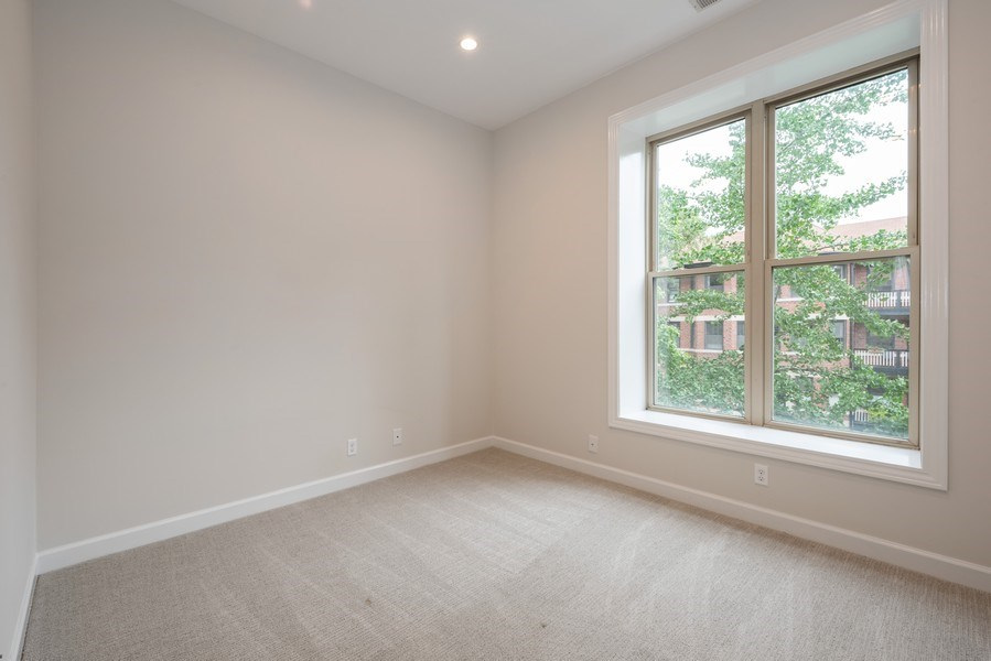 Real Estate Photography - 4655 North Hermitage Ave, 3, Chicago, IL, 60640 - 2nd Bedroom