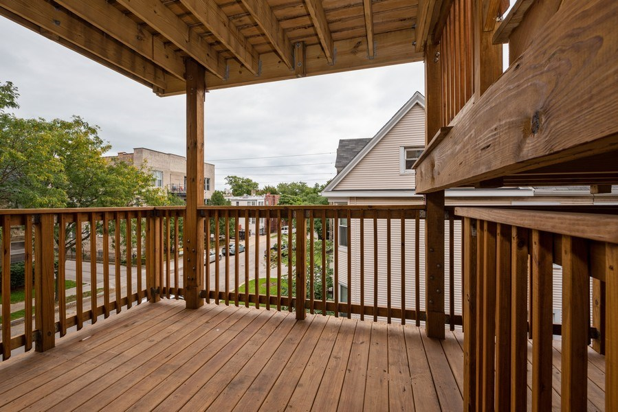 Real Estate Photography - 4655 North Hermitage Ave, 3, Chicago, IL, 60640 - Deck