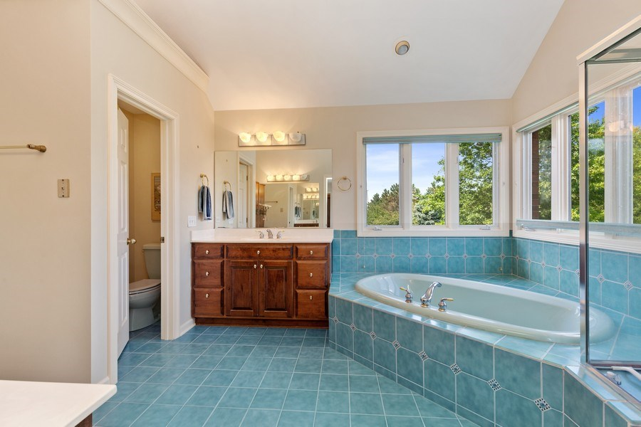 Real Estate Photography - 37W542 High Point Ct, Royal Fox, St. Charles, IL, 60175 - Master Bathroom