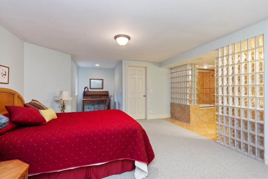 Real Estate Photography - 37W542 High Point Ct, Royal Fox, St. Charles, IL, 60175 - 2nd Bedroom