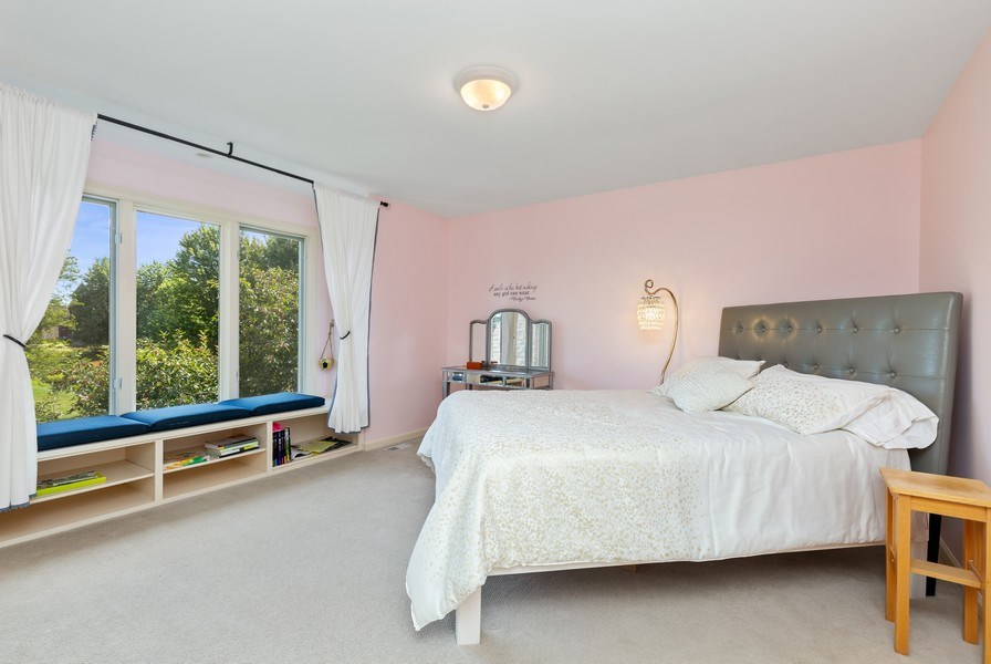 Real Estate Photography - 37W542 High Point Ct, Royal Fox, St. Charles, IL, 60175 - 3rd Bedroom