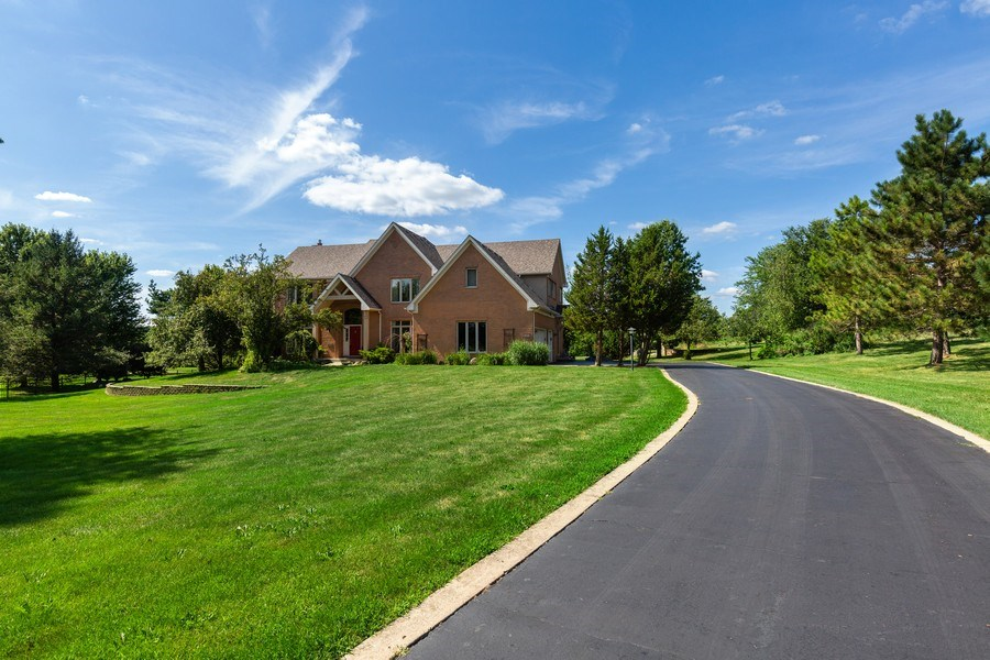 Real Estate Photography - 37W542 High Point Ct, Royal Fox, St. Charles, IL, 60175 - Front View