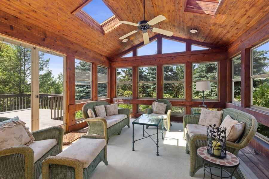 Real Estate Photography - 37W542 High Point Ct, Royal Fox, St. Charles, IL, 60175 - Sun Room