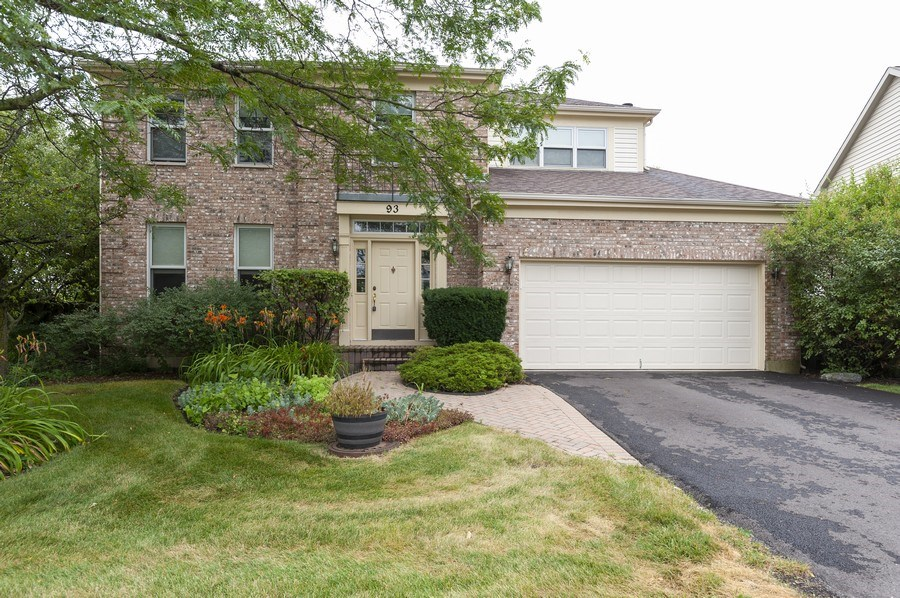Real Estate Photography - 93 Cambridge Dr, Grayslake, IL, 60030 - Front View