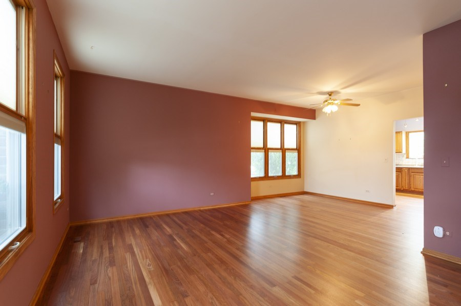 Real Estate Photography - 93 Cambridge Dr, Grayslake, IL, 60030 - Living Room/Dining Room