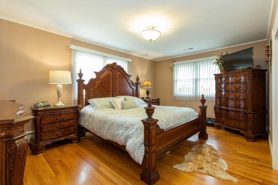 Real Estate Photography - 6872 West 115Th Pl, Worth, IL, 60482 - Master Bedroom