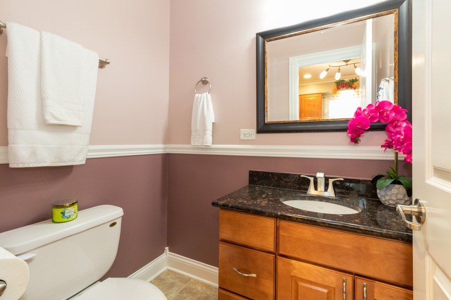 Real Estate Photography - 6872 West 115Th Pl, Worth, IL, 60482 - Bathroom