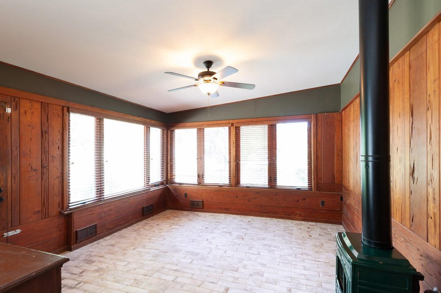 Real Estate Photography - 18 Lakeview Drive, Mundelein, IL, 60060 - Family Room