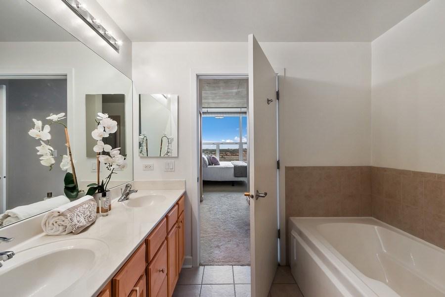 Real Estate Photography - 1305 S Michigan Avenue, Unit 1604, Chicago, IL, 60605 - Master Bathroom