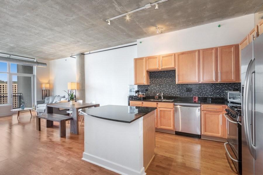 Real Estate Photography - 1305 S Michigan Avenue, Unit 1604, Chicago, IL, 60605 - Kitchen
