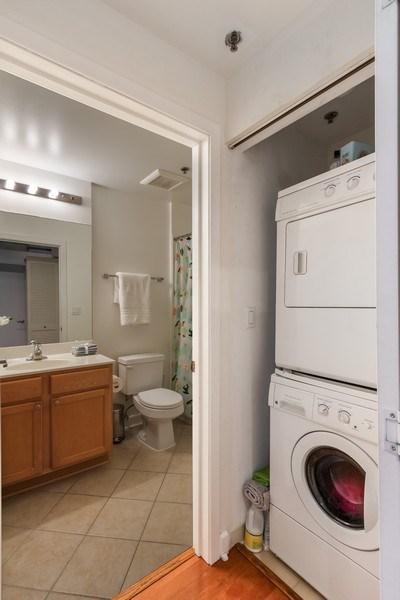 Real Estate Photography - 1305 S Michigan Avenue, Unit 1604, Chicago, IL, 60605 - Laundry Room