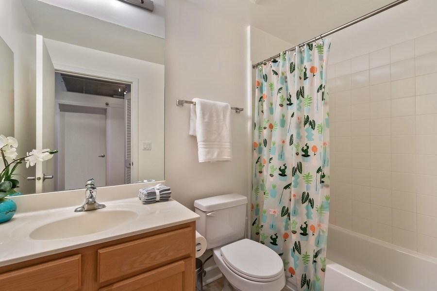Real Estate Photography - 1305 S Michigan Avenue, Unit 1604, Chicago, IL, 60605 - 2nd Bathroom