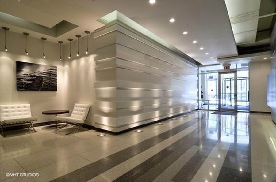 Real Estate Photography - 1305 S Michigan Avenue, Unit 1604, Chicago, IL, 60605 - Lobby