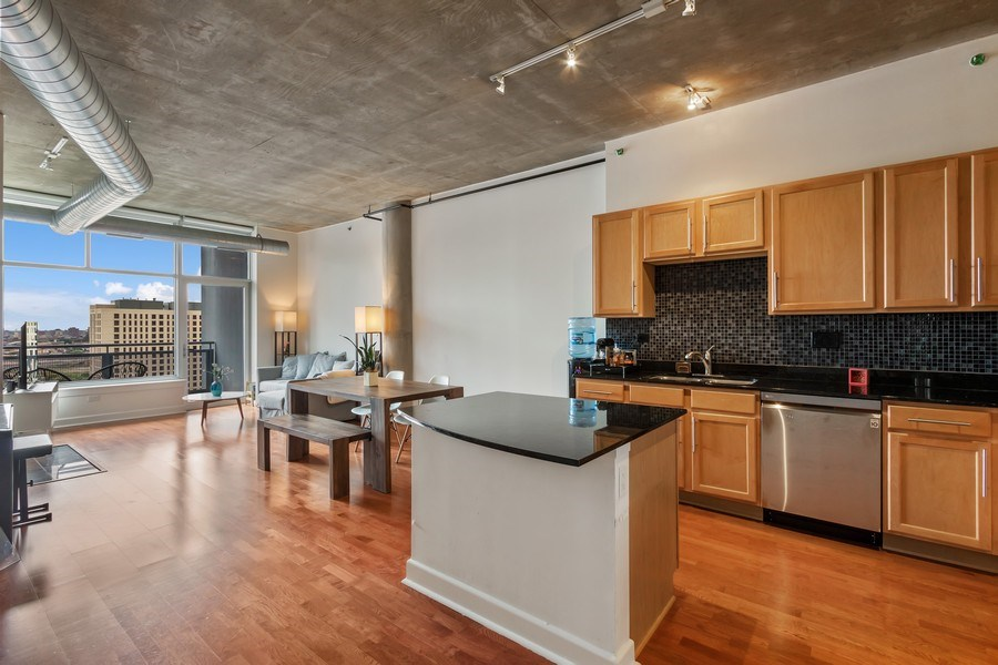 Real Estate Photography - 1305 S Michigan Avenue, Unit 1604, Chicago, IL, 60605 - Kitchen / Living Room