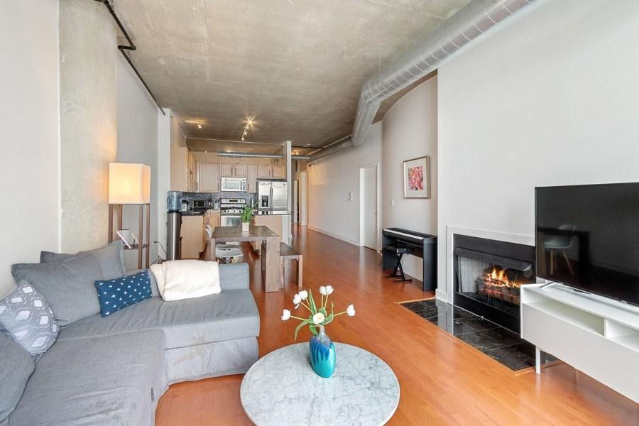 Real Estate Photography - 1305 S Michigan Avenue, Unit 1604, Chicago, IL, 60605 - Kitchen/Living