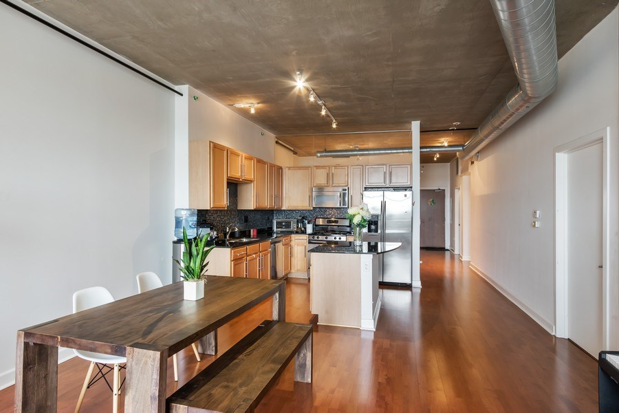 Real Estate Photography - 1305 S Michigan Avenue, Unit 1604, Chicago, IL, 60605 - Kitchen / Dining Room