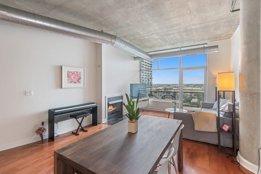 Real Estate Photography - 1305 S Michigan Avenue, Unit 1604, Chicago, IL, 60605 - Living Room/Dining Room
